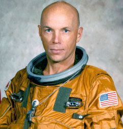 2-StoryMusgrave-shuttle-crop